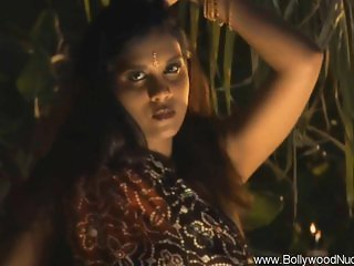 Bolly Babe From Wonderful India