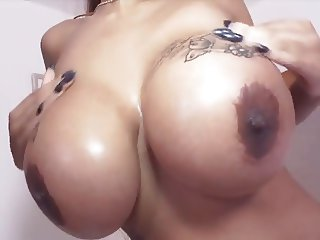 Ria Paradise: Beautiful Busty German Ebony Milf