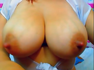 Sexxxy Hot......Big Nipples......Shaking Topless!