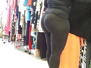 Ebony MILF Amazingly Round Bubble Butt! VPL