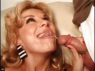 MILF horny for action