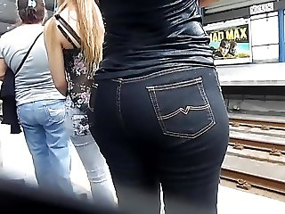 candid booty milf jeans