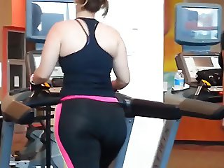 phat ass latina in the gym