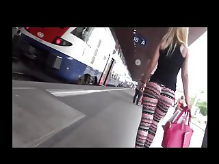 Stunning Candid Booty Jiggle in Leggins at Train Station