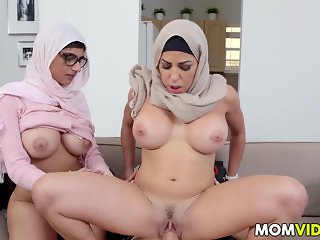 Stepmom Julianna Vega and Mia Khalifa cumming