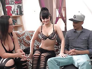 Casting couch of a nice amateur interracial french couple