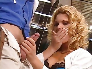 Beautiful Blonde - Hair Salon Anal