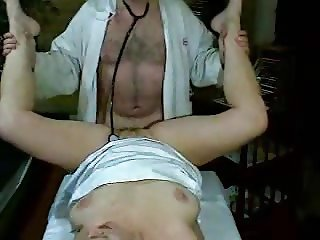 Women gets fucked by doctor