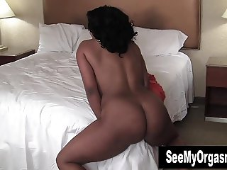 Big Assed Sydnee Humping The Bed