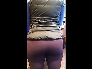 More spandex yoga pants in the coffee shop