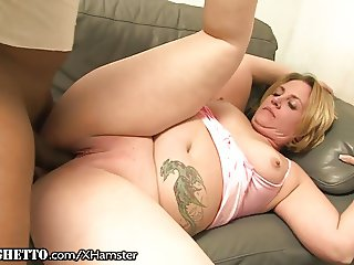 Curvy Cougar gets Black Cock and Armpit Licked