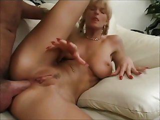 Lisa Crawford from France