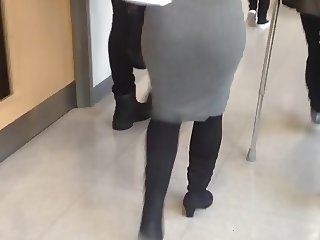 HOT TEEN PERFECT TIGHT ASS SKIRT WALKING VOYEUR PART 1