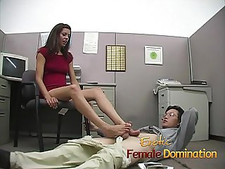 Slut makes a co-worker cum using only her sexy feet