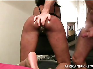 Perv warms African gf up for homemade