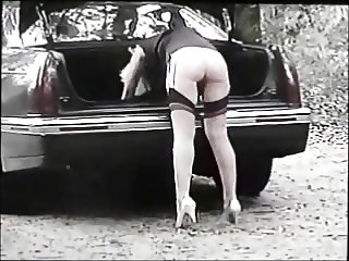 WHORE SHOWS HER ASS