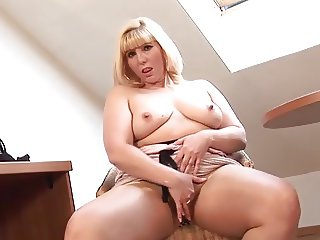 Chubby mature blonde in tan pantyhose