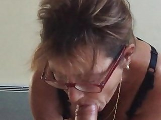 mamie taille une pipe