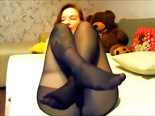 sarah encasement lick her nylon feet and dildo