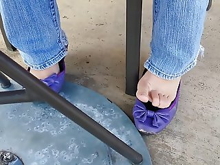 Public Barefoot Shoeplay With Sam & Libby Ballet Flats