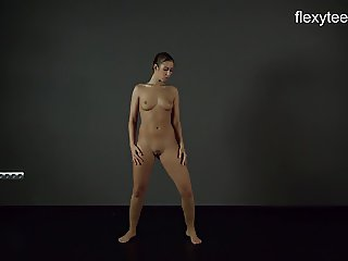 FlexyTeens - Zina shows flexible nude bod