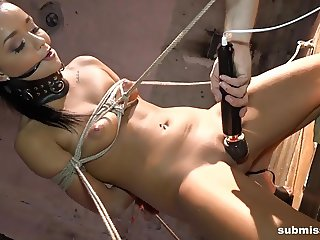 Submissed.com Daphne Klyde tied up