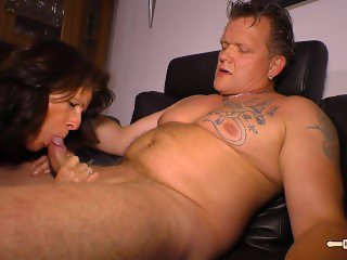 Hausfrau Ficken - Amateur German housewife gets her mature pussy drilled