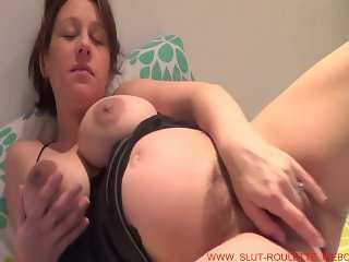 Pregnant Kelly loves to show off