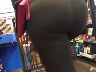 mmm thick ghetto booty in sweatpants with big tits