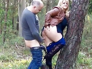 fast sex in forest
