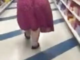 monster ass pawg bbw with jiggle in skirt