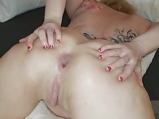 Bunny in Ass Training Stretching Out Ass to GAPE