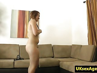 Amateur casting babe fucked by midget agent
