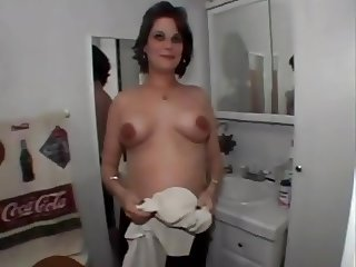 MILF With Hello-How-You-Doing Tits