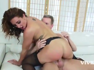 Savannah visits the pussyman and fucks his friend