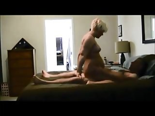 Blonde wife on hiddencam