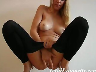 Annette Schwarz Pissing & Playing in Yoga Pants Leggings & Heels