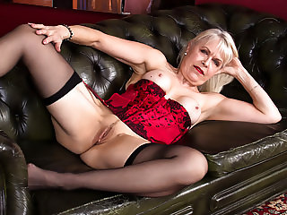 64 years old UK GILF
