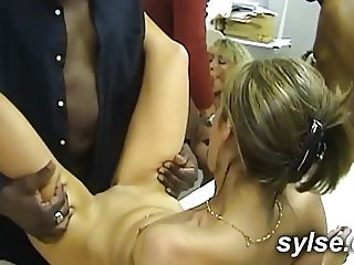2 secretaries share BBC in OFFICE gangbang