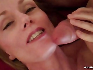 Threesome For Nasty Amateur GILF