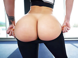 Big Round Ass Jada Stevens Takes Big Cock After Yoga