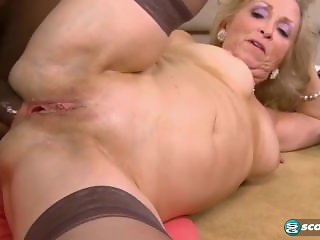 Hot Sexy Granny getting Anal deep by Huge BBC