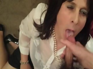 Tranny secretary takes a big load on her face