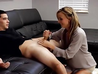 Mom Helps out Son 2017.MP4