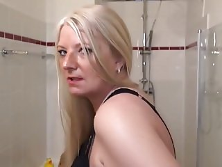 Naughty German Housewife Playing In Her Bathroom