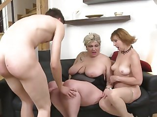 MOM mom and MOM sharing the only SON