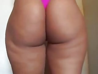 Curvaceous hot wife with beautiful big ass shows off
