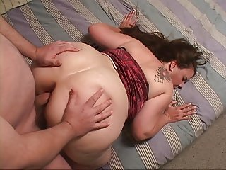 Big Butt Housewife Gets Her Ass Fucked