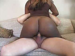 Mature Bubble Butt Ebony MILF Gets Ass Fucked