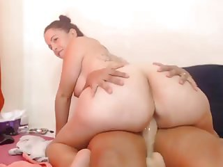 Yeni Luv Big Butt Cam Show Chaturbate 01-04-2016
